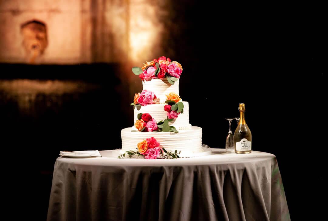 Tavolo con torta